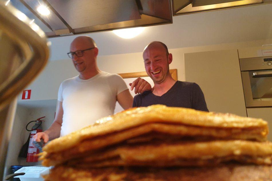 Pannenkoeken bakken voor 40 collega's