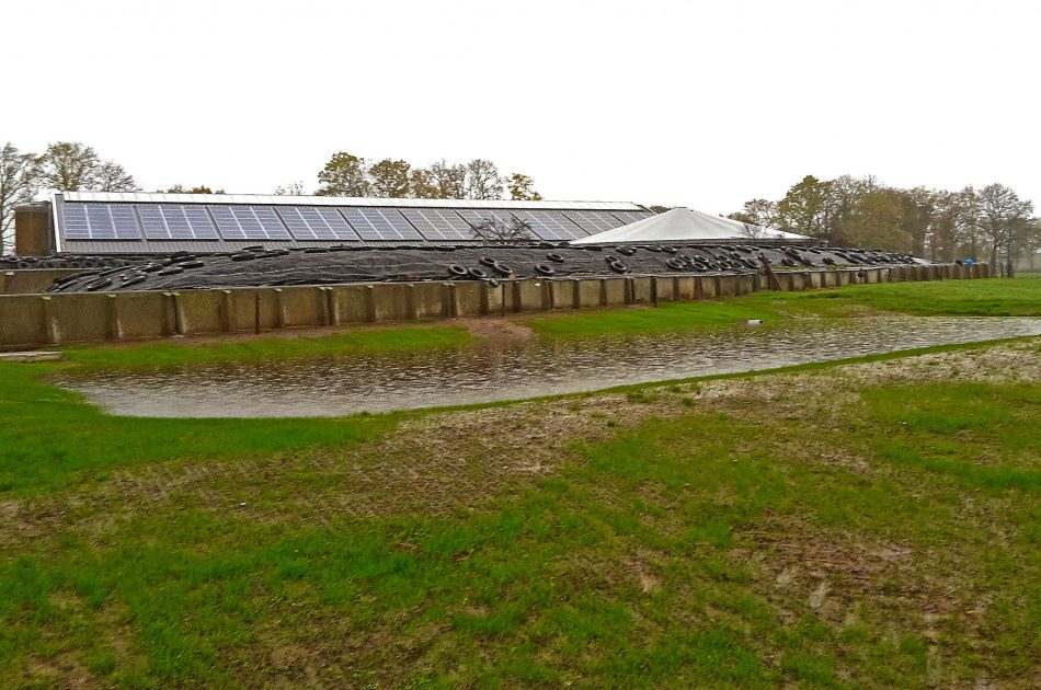 Agrowadi bij kuilvoerplaats